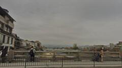 街中の光景 ~川を眺める~