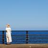海を眺める 3