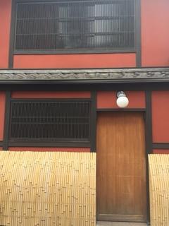 壁 8 コントラスト