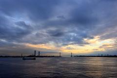 夕暮れの名古屋港