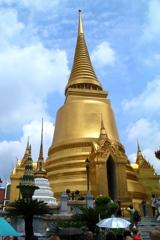 ワットプラケオ 02 黄金の仏塔