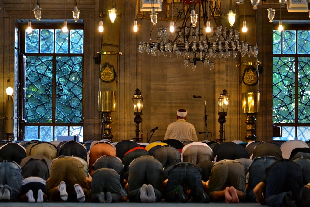 Yeni Cami 04 祈る人々