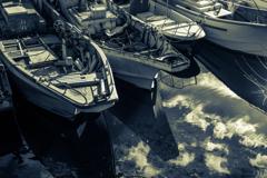 追憶の糸 #8 空を映す 船溜まり