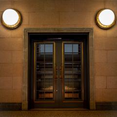 レトロモダン 扉と照明
