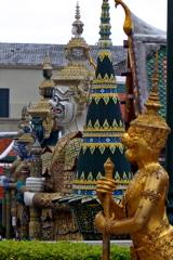 ワットプラケオ 05 守る神々