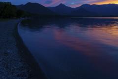日没の屈斜路湖
