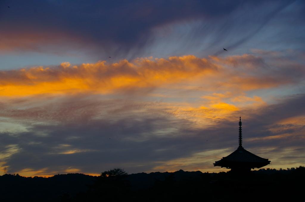 法起寺の夕暮れ