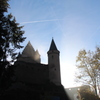 青空に浮かび上がる城(ルクセンブルク)