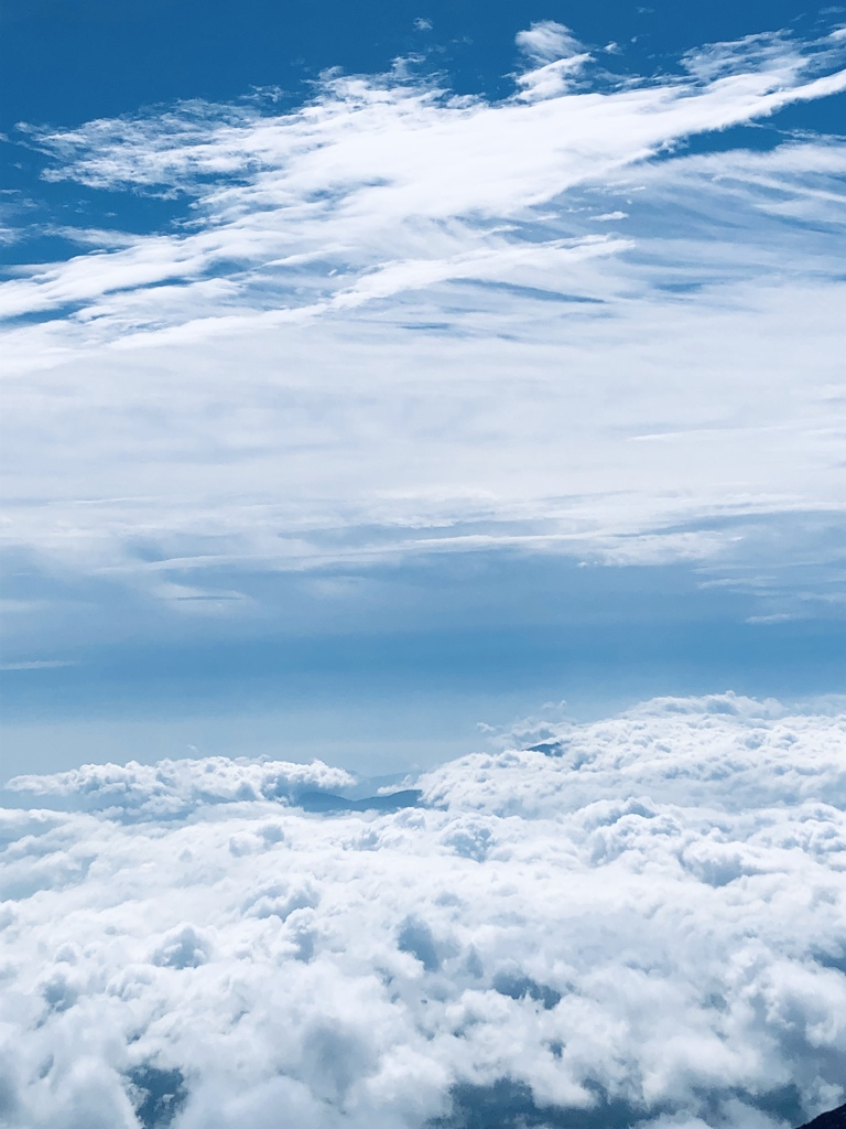 雲の上の雲の下 by sasaj1 (ID:8949063) - 写真共有サイト:PHOTOHITO