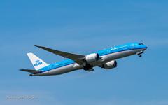 NRT KLM B8