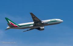 NRT Alitalia B7