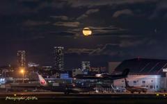 Airport moon 3