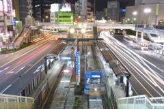 路面電車が走る街 夜