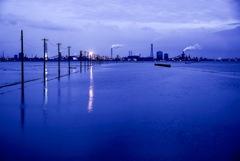 江川海岸越しの工場夜景