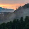 丘陵の霧 山地の夕焼け