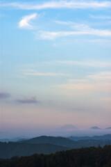 晩夏の加治丘陵:朝焼けの夏富士