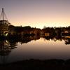 日本庭園の夕暮れ