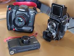 3台のフィルムカメラ