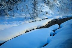 銀山温泉 新雪の朝