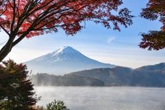 輝く朝の富士