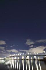 琵琶湖大橋と星