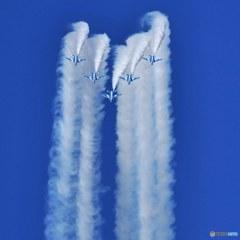 青空のブルーインパルス