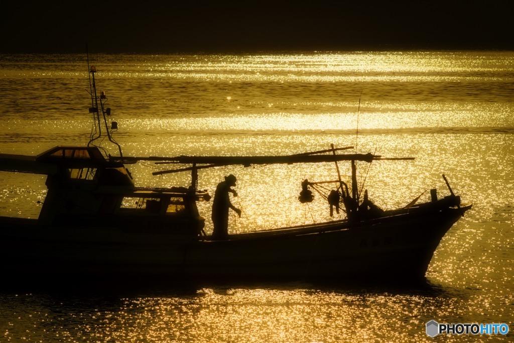 漁村の夕景