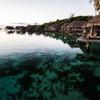 珊瑚礁、水上ヴィラの朝