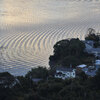 20101211_072314 湖面に描かれる市松模様