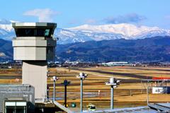 蔵王を抱く仙台空港