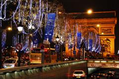 凱旋門とクリスマス イルミネーション