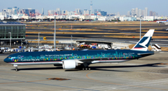 Colorful Cathay B777