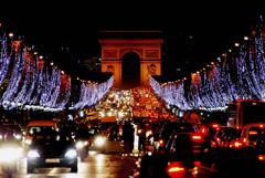 シャンゼリゼ通りのクリスマス イルミネーション