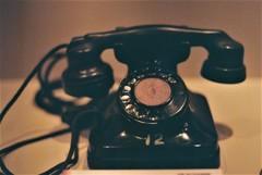 黒い「電話機」