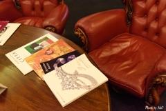 本とテーブル