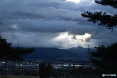 夕暮れの盆地&山地