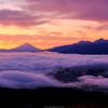 富士山と雲海と