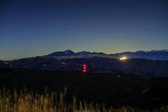 鉄塔の光、スキー場の光