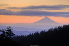 遥か先の富士山