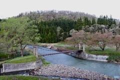 山里の吊橋