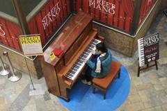 ストリートピアノ(街角ピアノ)♪