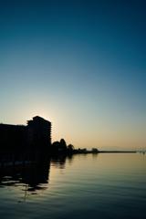琵琶湖のほとりで