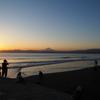 片瀬海岸 富士山 夕日