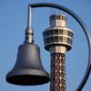 残暑 暮れ合い 塔と鐘