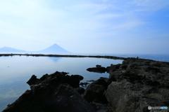 ☆R1.5.4 岩礁と薩摩富士