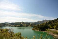 宮ケ瀬湖の湖畔