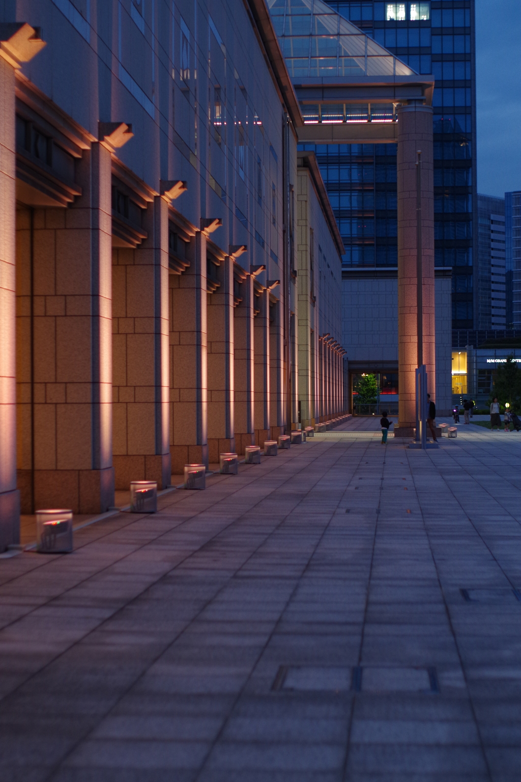 美術館 外側