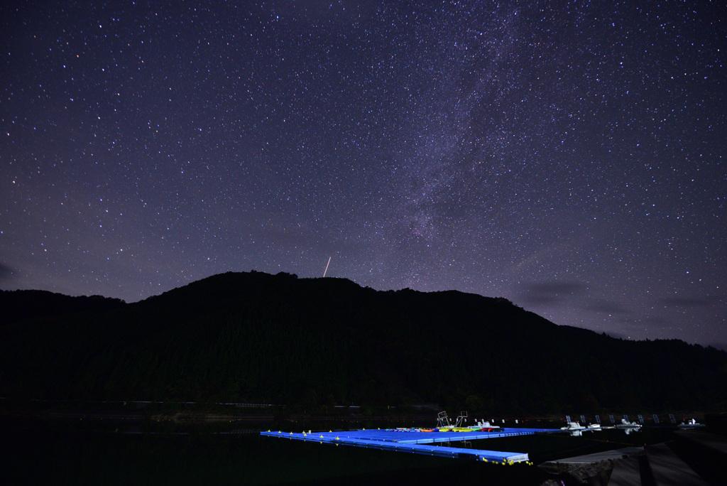いつもの湖と星。