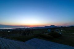 日没の有珠山と昭和新山