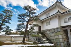 雪の残る二本松城 日本100名城